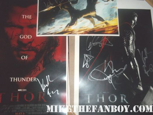 signed autograph thor mini poster promo kenneth branagh chris hemsworth hot sexy damn fine concept art rare