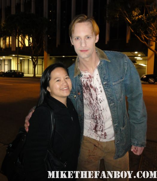 alexander skarsgard taking a fan photo on the set of true blood season 4 with erica from mike the fanboy rare signed autograph hot sexy rare promo anna paquin stephen moyer
