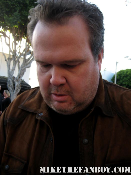 emmy winner eric stonestreet from modern family signs autographs for fans at the bridesmaids movie premiere in westwood! sexy hot rare funny quotes promo press kit cam cameron gay rare