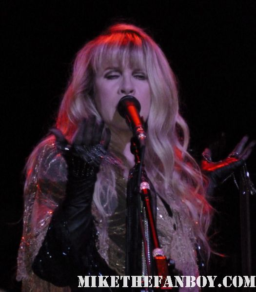 stevie nicks live concert photo sexy hot fleetwood mac birthday concert wiltern theatre 5-26-11 may 26 2011 dream landslide