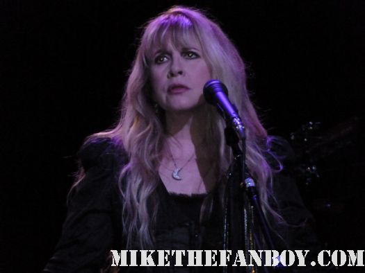 stevie nicks live concert photo sexy hot fleetwood mac birthday concert wiltern theatre 5-26-11 may 26 2011 dream landslide dave stewart eurythmics sweet dreams