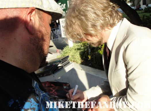 actor todd lowe from gilmore girls signing autographs for fans at the true blood season 4 world premiere red carpet rare promo poster true colors premiere rare fangtasia promo sign autographs