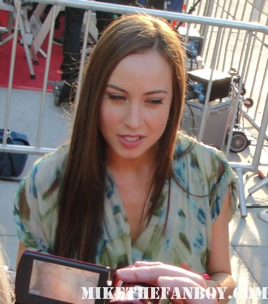 courtney Ford signing autographs for fans at the true blood season 4 world premiere red carpet rare promo poster true colors premiere rare fangtasia promo sign autographs dexter john lithgow promo hot sexy photo shoot rare brandon routh