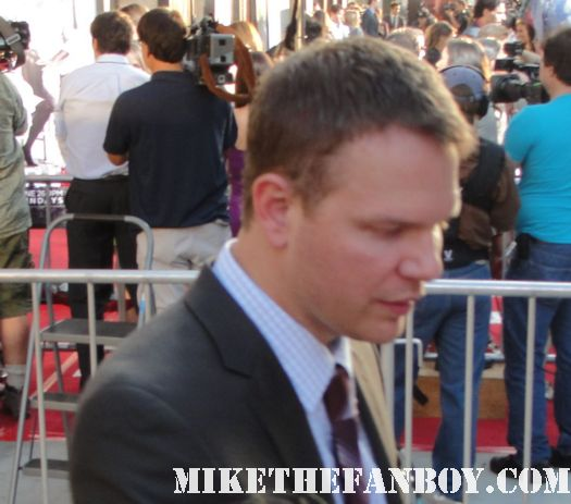 jim parrack signing autographs for fans at the true blood season 4 world premiere red carpet rare promo poster true colors premiere rare fangtasia promo sign autographs