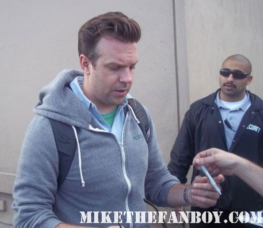 Jason Sudeikis host of the 2011 MTV Movie awards autograph signed promo hot sexy funny saturday night live horrible bosses 30 rock A Good Old Fashioned Orgy hall pass