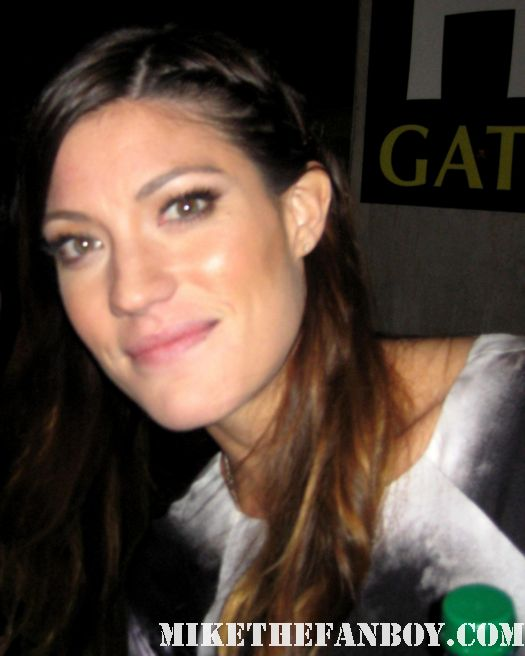 jennifer carpenter from dexter stops to sign autographs for fans after a q and a in los angeles rare hot sexy deb morgan dexter rare promo alternative families panel