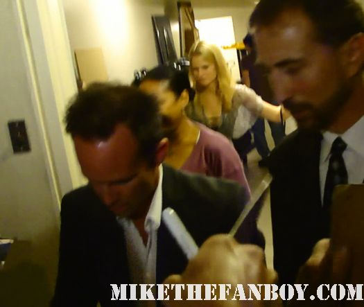 walton goggins the shield justified secretariat signs autographs for fans after a q and a for justified rare signature promo rare hot new series julie benz