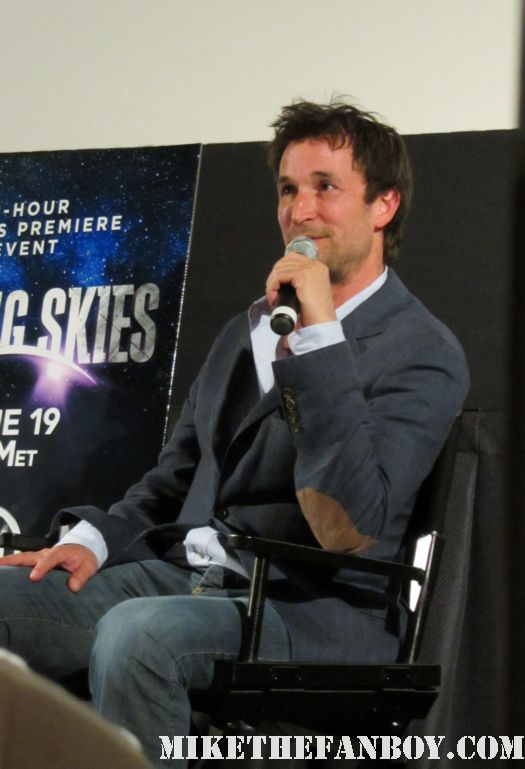 TNT's falling skies review with q and a by E/R star noah wyle rare promo hot sexy series sci fi rare promo signed autograph Tom Mason Dr. John Carter / John Carter