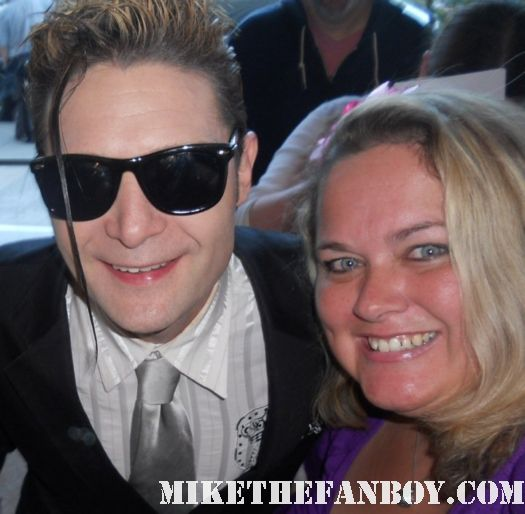 corey feldman poses for a fan photo with mike the fanboy columnist pinky lovejoy rare goonies hot sexy damn fine signed autograph