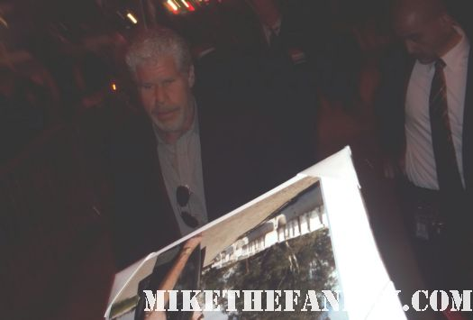 ron perlman signing autographs for fans after the drive premiere los angeles film festival signed autograph sons of anarchy alien resurection hot hellboy promo beauty and the beast