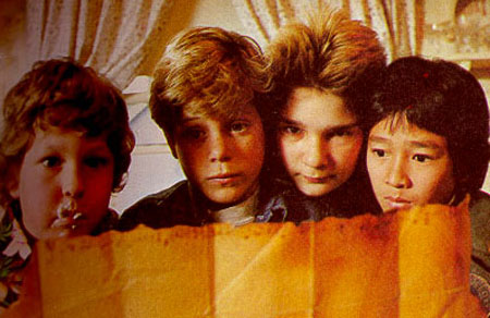 the goonies rare promo press still sean astin corey feldman data chunk mouth logo steven spielberg rare promo