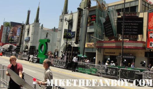 the green lantern world movie premiere red carpet promo hot sexy the green lantern world movie premiere with ryan reynolds, angela bassett, mark strong, blake lively, sexy hot rare signed autograph