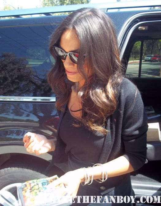 rosario dawson signing autographs hot sexy unstoppable clerks II sin city 2 rare promo hot sexy photo shoot rare