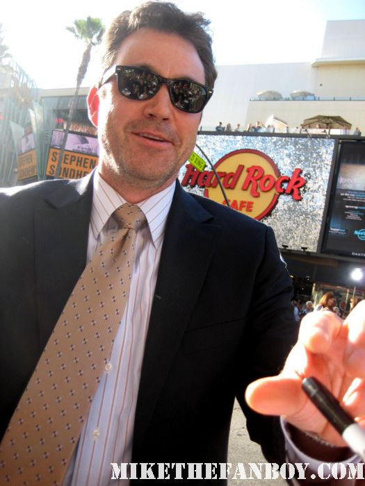 john tenney signing autographs for fans at the world movie premiere of green lantern in hollywood rare promo hot sexy rare