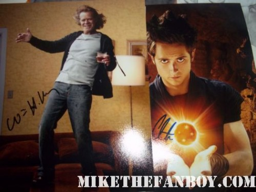 shameless cast stop to sign autoraphs for fans william h macy signed autograph promo photo poster william h macy justin chatwin emmy rossum signed signature rare hot sexy