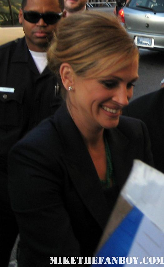 Julia Roberts signing autographs for fans at the larry crowne world movie premiere rare promo poster pretty woman notting hill rare mystic pizza poster mini I love trouble mary reilly
