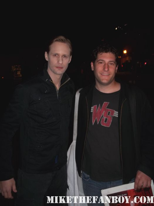 alexander skarsgard posing for a fan photo on the set of true blood season 4 eric northman hot sexy promo rare signed autograph season 4 promo poster