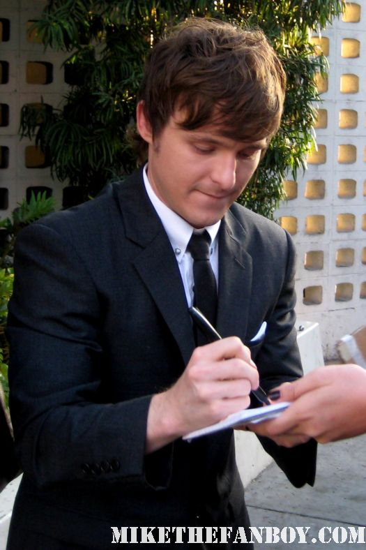 marshall allman signing autographs at the true blood season 4 world premiere hot sexy rare promo poster mike the fanboy rare sexy vampire