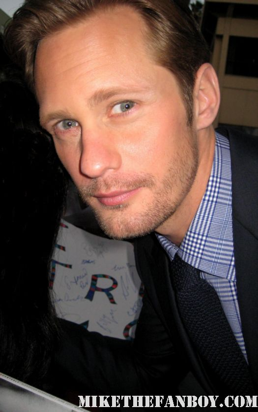 alexander skarsgard eric northman signing autographs at the true blood season 4 world premiere hot sexy rare promo poster mike the fanboy rare sexy vampire