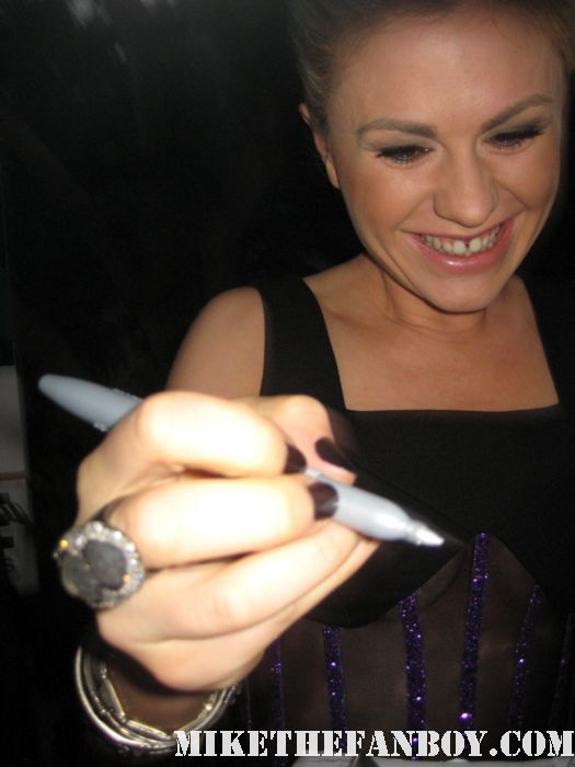 anna paquin sookie stackhouse signing autographs at the true blood season 4 world premiere hot sexy rare promo poster mike the fanboy rare sexy vampire