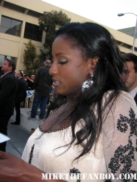rutina wesley tara signing autographs at the true blood season 4 world premiere hot sexy rare promo poster mike the fanboy rare sexy vampire