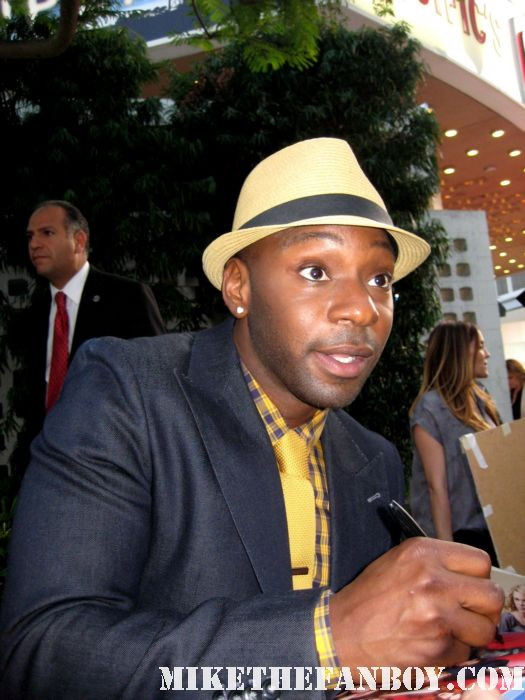nelsan ellis lafayette signing autographs at the true blood season 4 world premiere hot sexy rare promo poster mike the fanboy rare sexy vampire