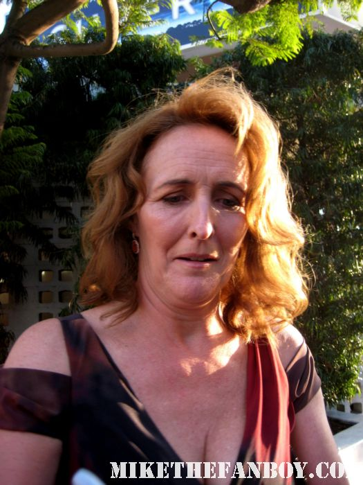 harry potter's fiona shaw signing autographs at the true blood season 4 world premiere hot sexy rare promo poster mike the fanboy rare sexy vampire