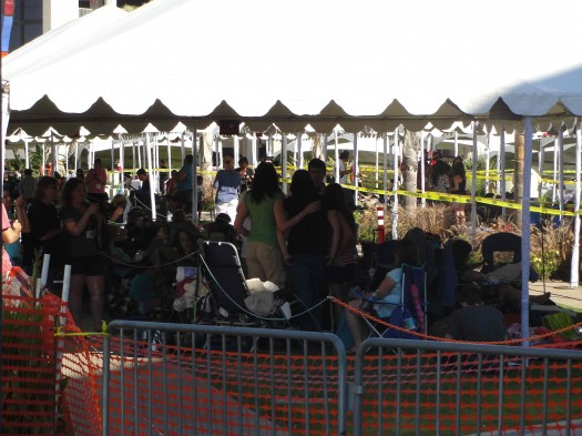 crazy twilight fans camped out at hall H at san diego comic con 2011 rare sweaty gross fans