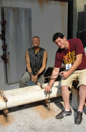 mike the fanboy at san diego comic con 2011 at the walking dead booth taking a zombie photo