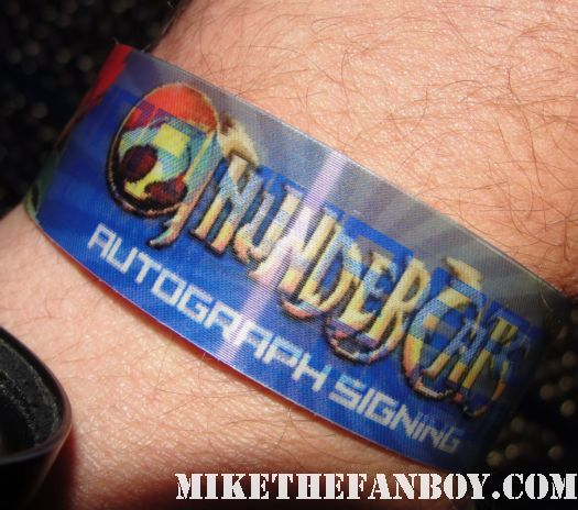 san dieco comic con 2011 sdcc 2011 fox booth rare signing tickets the finder bob's burgers hot sexy rare promo convention floor thundercats wristband for the autograph signing