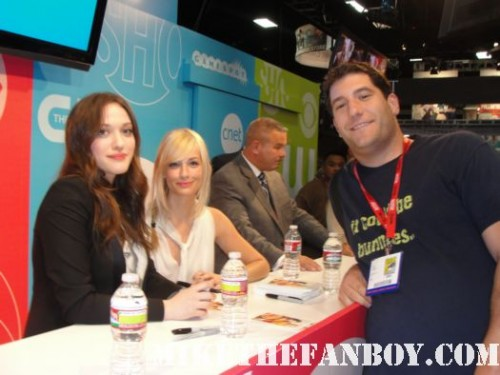mike the fanboy with kat dennings and beth behrs the cast of 2 broke girls signed autograph 2 broke girls signed autograph poster postcard from kat dennings beth behrs two broke girls autograph signing rare hot sexy promo san diego comic con 2011 sdcc 2011 signed autograph