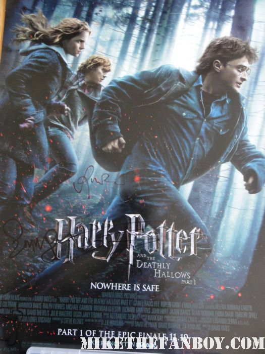 the harry potter and the deathly hallows part 2 new york movie premiere waiting fans for the red carpet daniel radcliffe signed autograph rare promo hot sexy