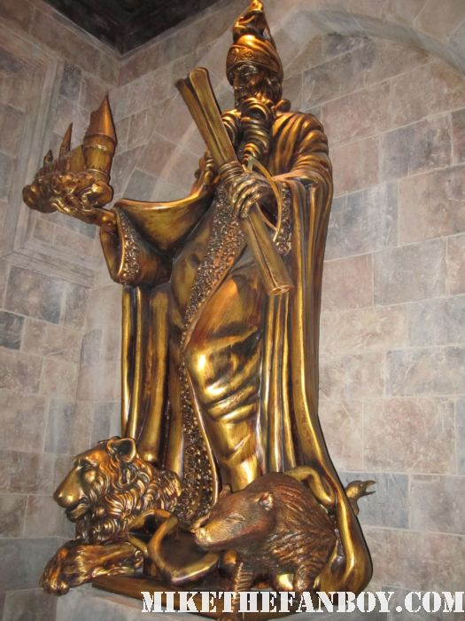 founder's statue wizarding world of harry potter at universal studios orlando florida