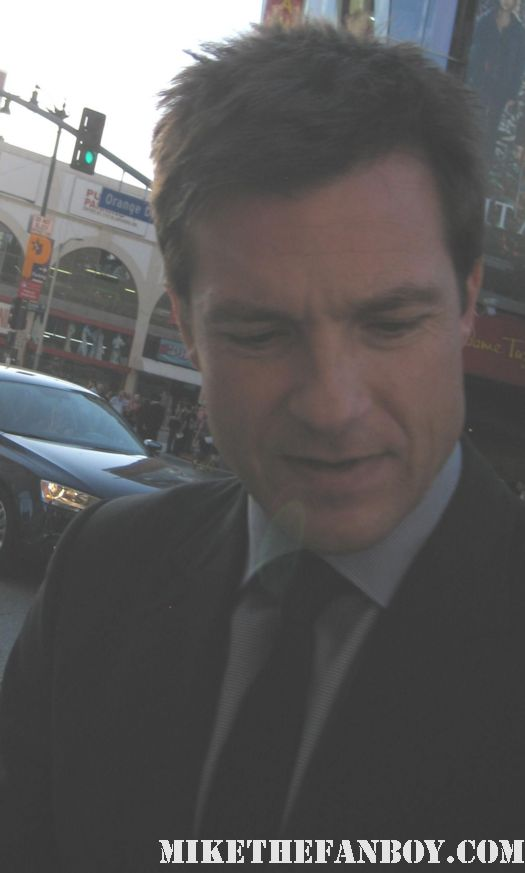 jason bateman signing autographs for fans at the world premiere of horrible bosses in hollywood extract juno the hogan family silver spoons rare promo hancock the switch the change up