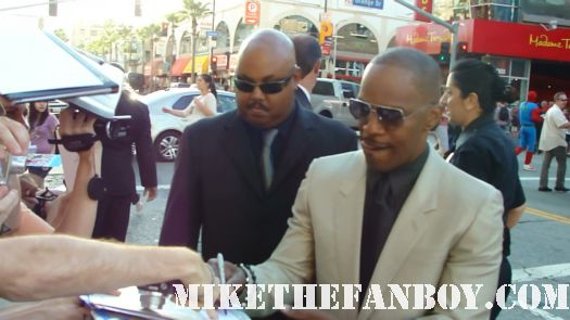 jamie foxx signing autographs at the horrible bosses world premire movie hot sexy rare tatoo hot muscle ray in living color