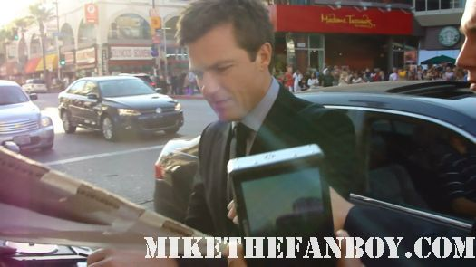 jason bateman signing autographs for fans at the horrible bosses rare world premiere movie hot sexy hogan family extract the change up rare