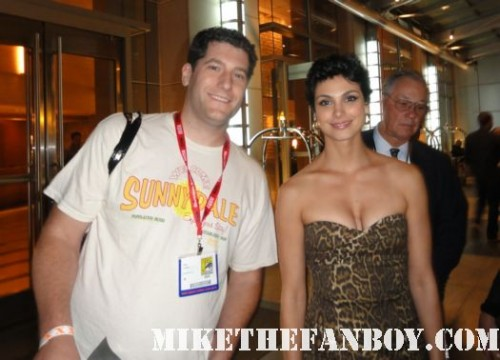 firefly star morena baccarin signing autographs for mike the fanboy at the showtime party at comic con 2011 Mike The Fanboy and Dexter star CS Lee mike the fanboy and the novel strumpet at the showtime comic con 2011 party San diego comic con 2011 sdcc 2011 the dexter showtime party rare michael c hall morena baccarin promo rare