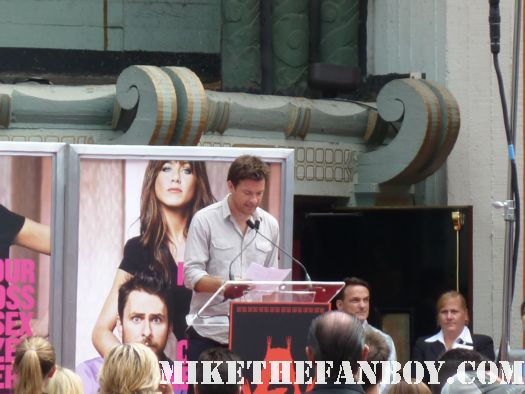 jennifer aniston's hand and footprint ceremony at grauman's chinese theatre jason bateman speaking on jennifer's aniston's behalf hogan family valerie extract the switch the change up rare hot sexy photoshoot