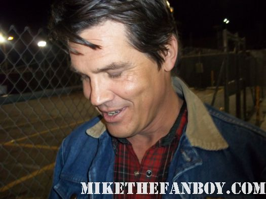 josh brolin brand from the goonies signs autographs for waiting fans true grit no country for old men jonah hex milk rare signed autograph jonah hex josh brolin sexy photoshoot