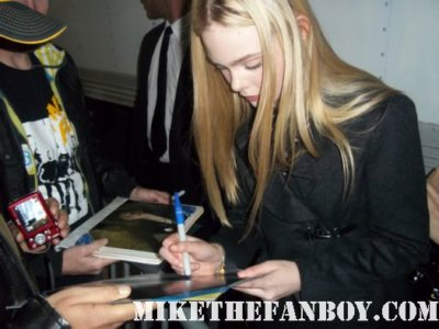 elle fanning star of super 8 signing autographs for fans dakota fannings sister rare promo blonde