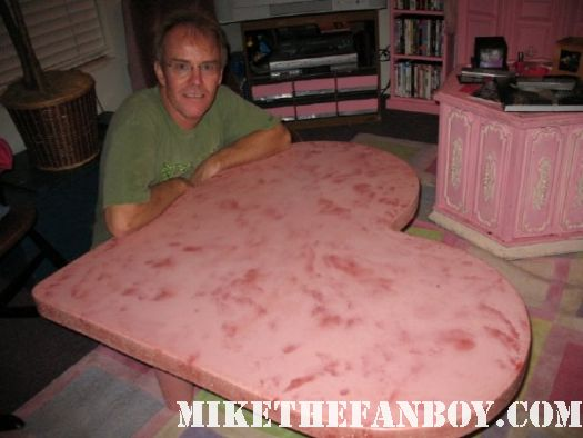 mike lookinland aka bobby brady and his heart coffee table made for pinky from mike the fanboy.com rare promo