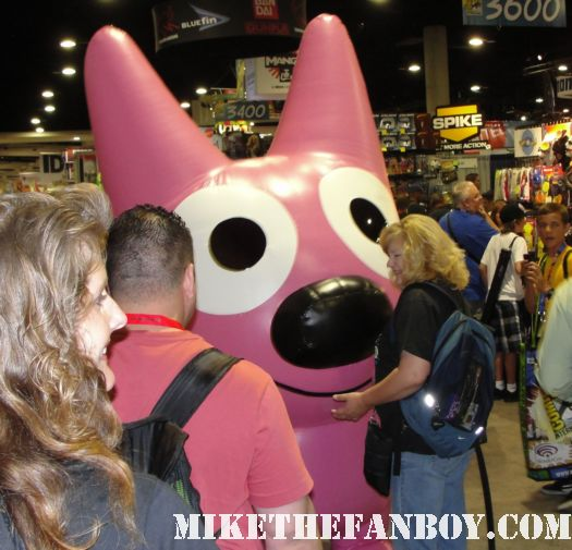 Hoops and Yo Yo walking around the convention floor at the san diego comic con 2011 rare promo 2010 hallmark cards mascot
