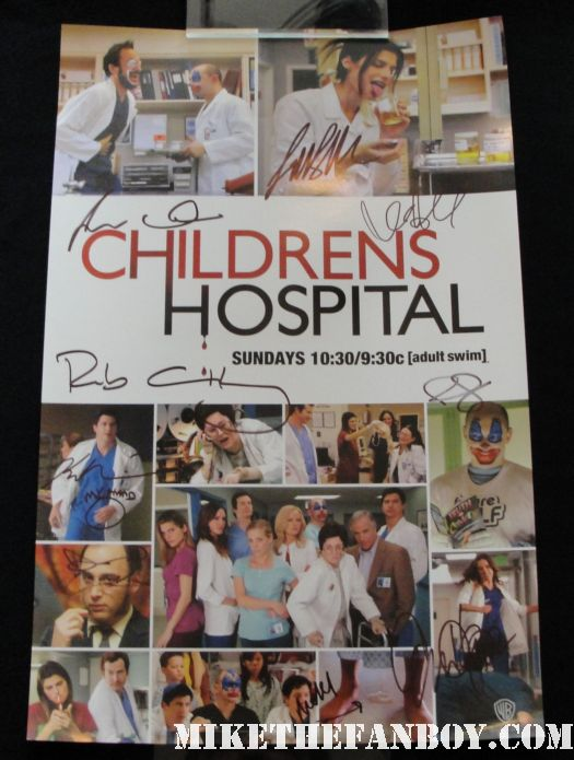 Rob Corddry david wain lake bell children's hospital cast autograph signing at the warner bros booth autograph rare promo poster