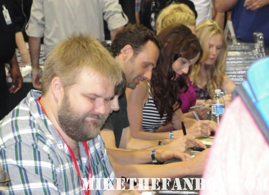 The walking dead cast signing autograph prom special san diego comic con 2011 sdcc 2010 promo rare laurie holden zombie
