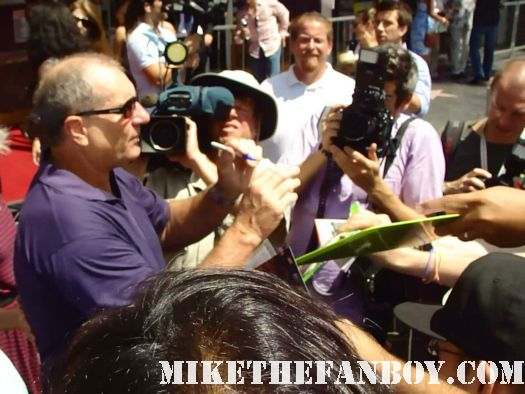 ed o'neill signing autographs at his star ceremony walk of fame modern family married with children eric stonestreet cameron from modern family signing autographs at katey sagal signed autograph sons of anarchy mini poster sdcc san diego comic con 2011 promo poster Katey Sagal signs autographs at sophia vergara  and katey sagal with eric stonestreet and jessie tyler ferguson at modern family star Ed O'Neill walk of fame ceremony star on the hollywood walk of fame signed autograph rare promo married with children