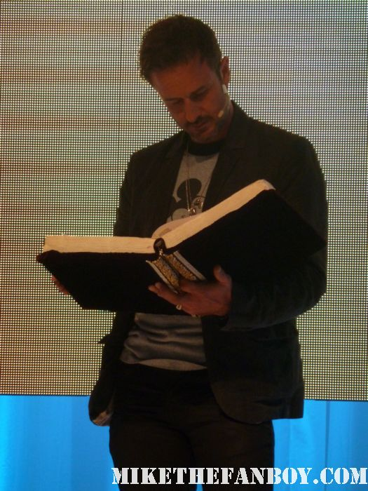 david arquette at the d23 expo reading a children's storybook Voluntears 1 the Welcome Center at the d23 expo the front of the d23 expo 2011 the annual disney fan event held in anaheim ca rare promo mickey mouse rare