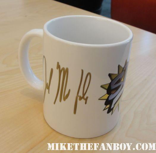 joel mcHale's hand signed autographed E! Entertainment studios The soup coffee mug rare promo community