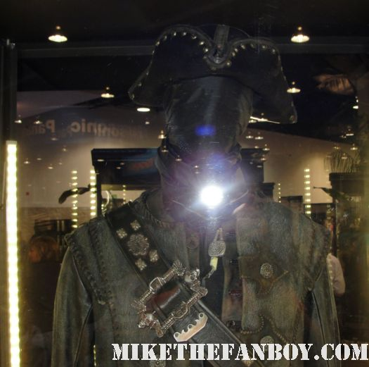 D23 2011 walt disney pirates of the caribbean on stranger tides props and costumes rare johnny depp jack sparrow penelope cruz sword costume compass blackbeard's costume from Pirates Caribbean ian mcshane