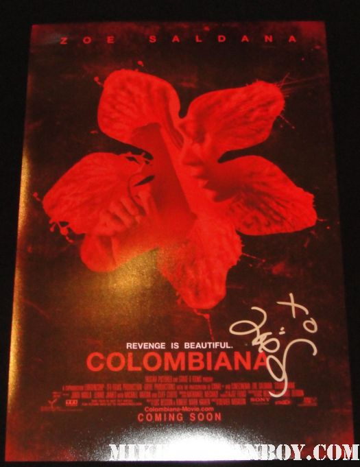 zoe saldana hand signed autographed colombiana rare promo mini movie poster rare colombiana star zoe saldana signs autographs for waiting fans before a talk show star trek uhura rare promo