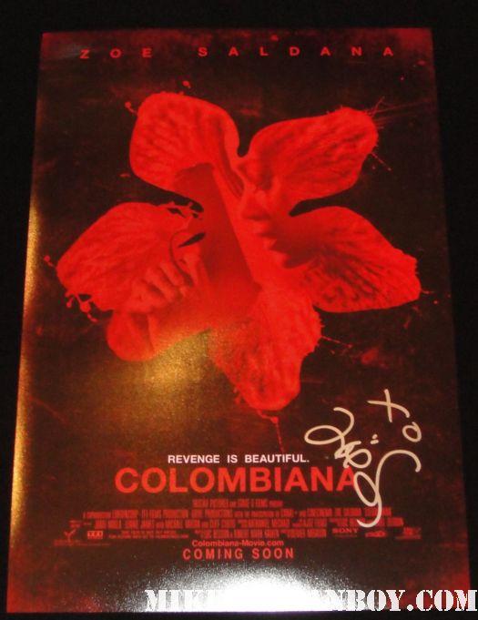 zoe saldana hand signed autographed colombiana rare promo mini movie poster rare colombiana star zoe saldana signs autographs for waiting fans before a talk show star trek uhura rare promo